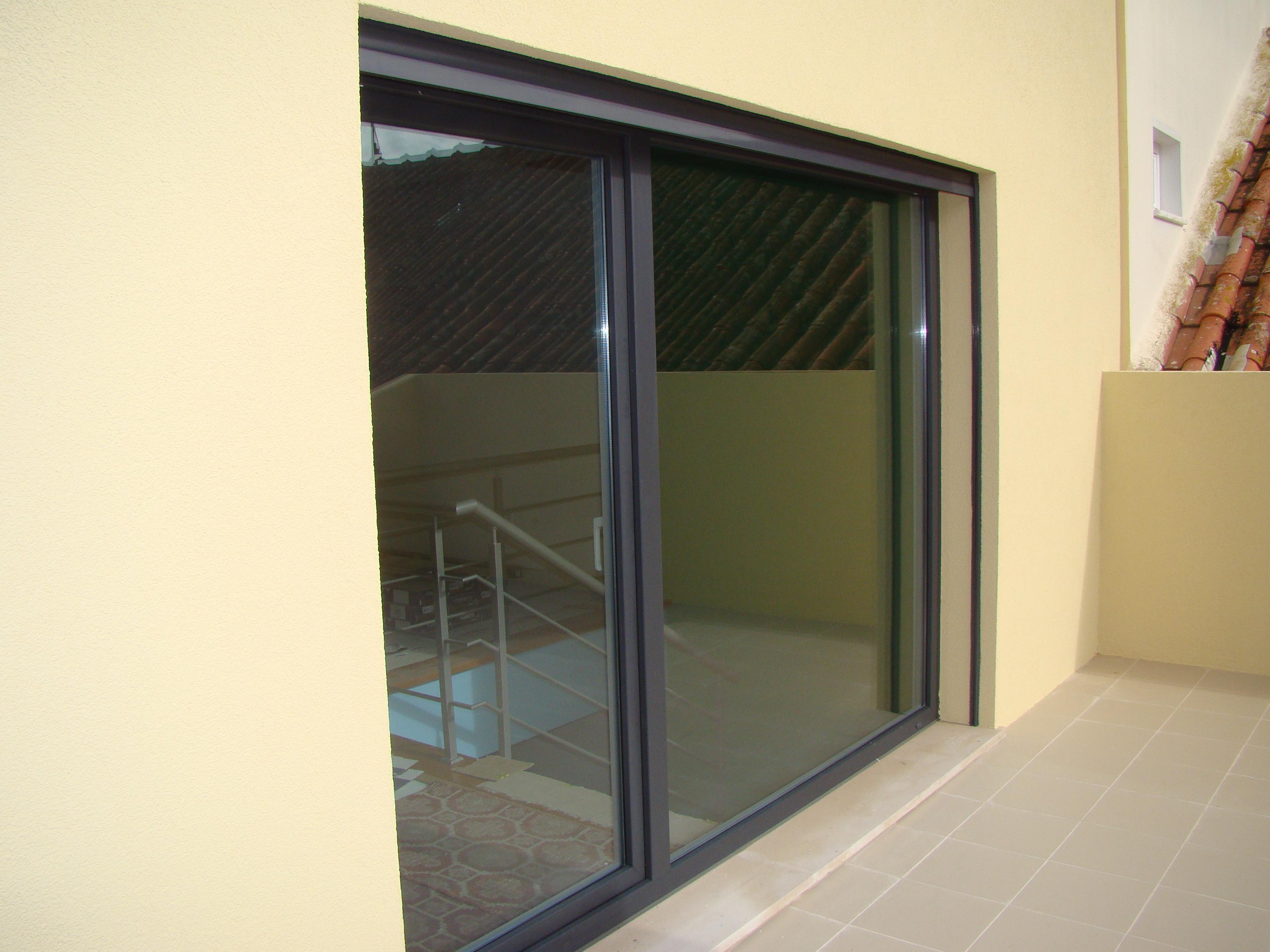 #A78324 Janelas de Elevado Isolamento Acústico 670 Janelas Pvc Ou Aluminio Melhor